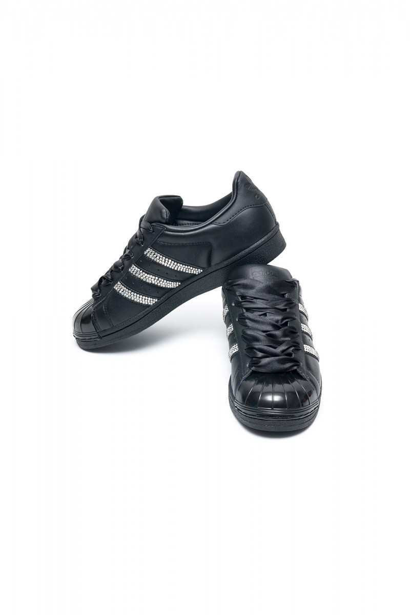 adidas superstar black and silver